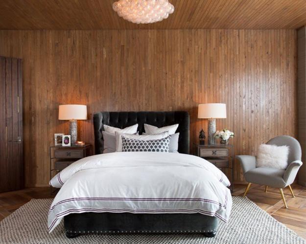 dormitor modern decorat cu lemn